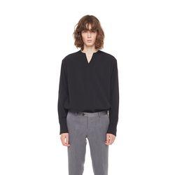 One tulsa V neck tshirt (Black)