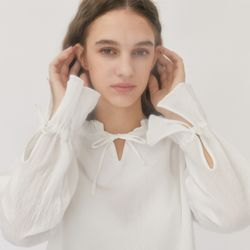 RUFFLE OFF SHOULDER BLOUSE (WHITE)