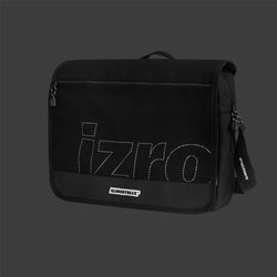ALMOSTBLUE X IZRO MESSENGER BAG (NON SCOTCH)