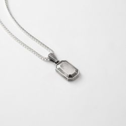 [ARETE] Emerald Cut Silver Necklace