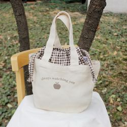 apple picnic totebag