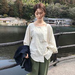 floweret square neck blouse (2colors)