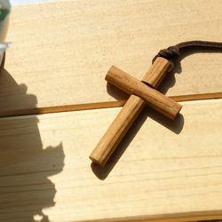 new 원형나무 십자가 목걸이