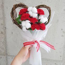 하트꽃다발 목화 비누꽃 카네이션 꽃다발