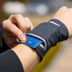 카라라 카드수납 손목지갑(핸드폰 방수팩 포함)