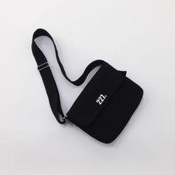 227 이이칠 ON02 : MIDDLE BAG [ BLACK ]