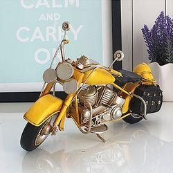 빈티지 옐로우 오토바이 장식