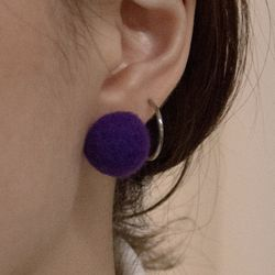 Odd earring [Very Berry] (Blueberry)
