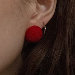 Odd earring [Very Berry] (Cranberry)