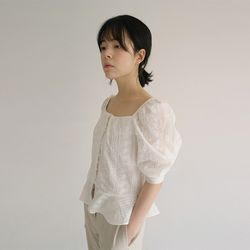 punching square neck vintage blouse