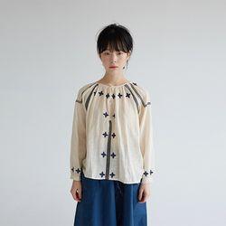 free niddlework linen blouse (3colors)