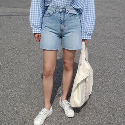 Cool denim short pants