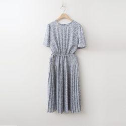 Bracken Pleats Long Dress  - 반팔
