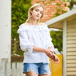TASSEL OFFSHOULDER BLOUSE WHITE