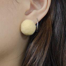 Odd earring (Popcorn)