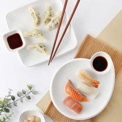 스시 초밥 만두 간장소스 접시