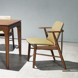 모노 원목 의자
