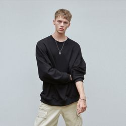 LOOSE-FIT CREWNECK SWEATSHIRT BLACK