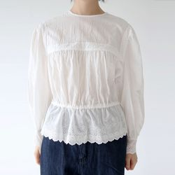 lace detail pure blouse