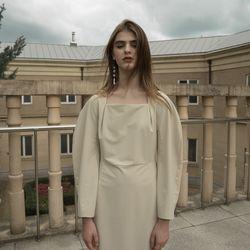 MODENA SQUARE NECK DRESS ASH BEIGE