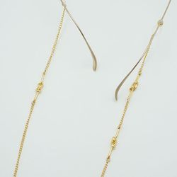 Triple twist glasses chain
