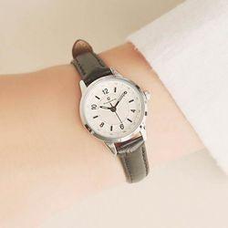 [Timepieces] 베이직 블랙 여성용 커플 가죽시계 OTC219902ASR