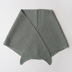Knit Triangle Muffler