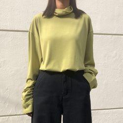 [로코식스] 하이넥 루즈 티셔츠
