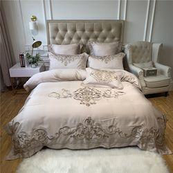 고딕 클래식 자수 침대커버 세트 Q
