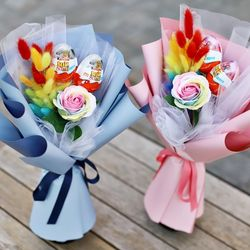 무지개 장미 라그라스 킨더조이 꽃다발 - 졸업식 재롱잔치 축하