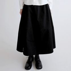 classic swagger skirts (black)