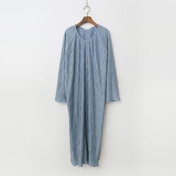 Pleats Pleats Long Dress