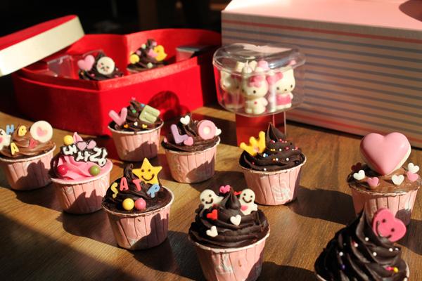 천연슈가스프링클-화이트핑크하트 12g(초콜렛장식) - 이홈베이킹, 1,000원, DIY재료, 토핑/데코
