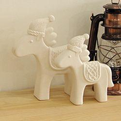 털모자를 쓴 유니콘(화이트 도자기) - 소