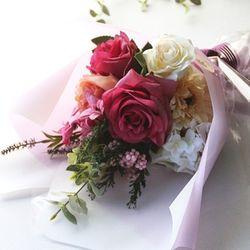 투톤레드 장미꽃다발