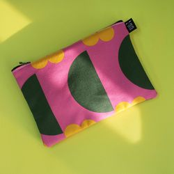 half moon pouch m