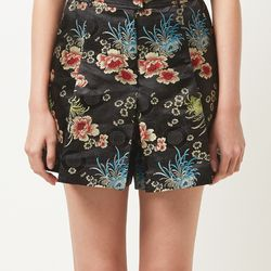 floral pattern black shorts