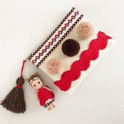 indian girl pouch