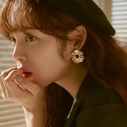 Joli Large Flare Earrings