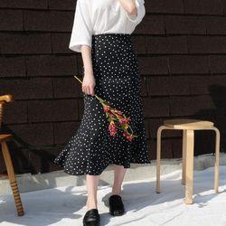 Simple dot long skirt