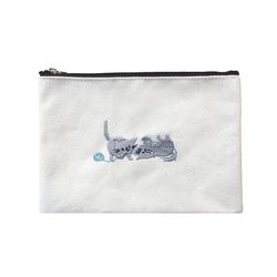tangled kitty pouch