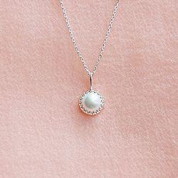 Cream Moon 천연 담수진주 Necklace (6월 탄생석)