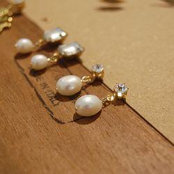 Snow Pearl Cubic Earrings (천연 바로크 담수진주)