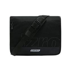 ALMOSTBLUE X IZRO MESSENGER BAG(SCOTCH)