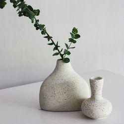 코트화기(Coat Vase)