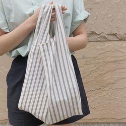 Easy stripe green bag.