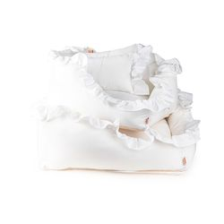 White Ruffle Cushion S