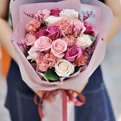 파스텔 로즈 꽃다발 - 장미 드라이플라워 목화 졸업식 축하 선물