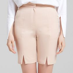 SLIT SHORTS (LIGHT PINK)