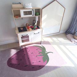 딸기 극세사 놀이매트 러그